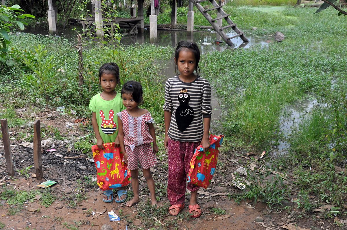 Enfants pauvres soutenus près de Kompong Thom